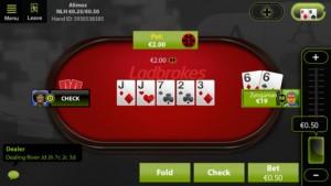 Ein Screenshot der iOS Poker App von Ladbrokes